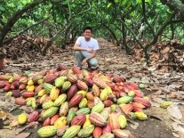 A selfie with cacao pods right after they were harvested and just before they are broken for their beans (May 2015).